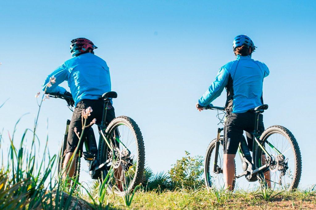 Hiking & E-Bike Tours
