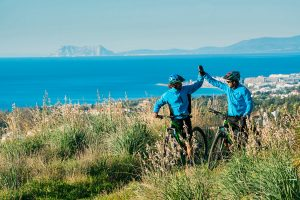 Hiking & E-Bike Tours